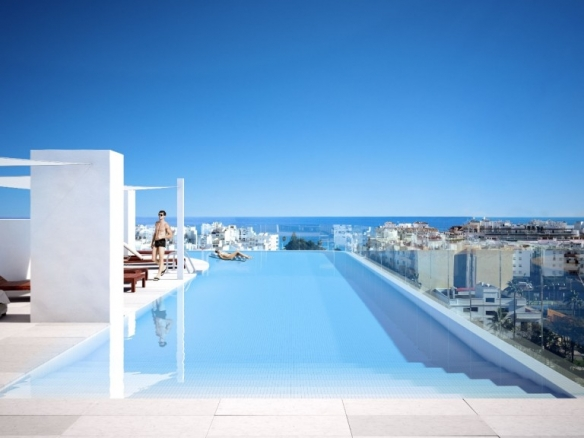 Pool on roof
