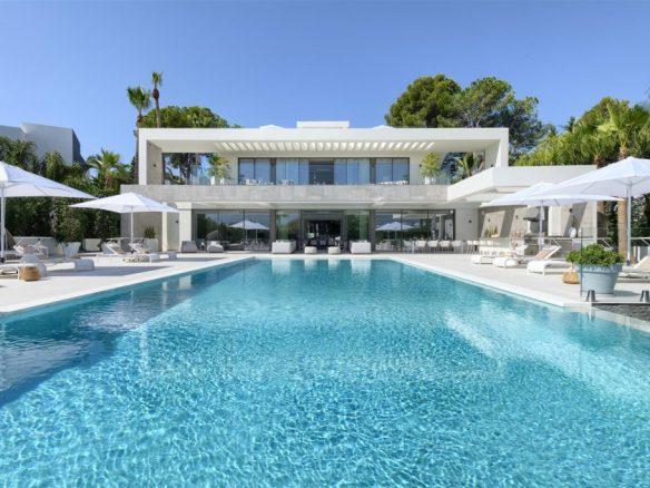Unique Frontline Golf Villa Marbella Spain (59) (Large)
